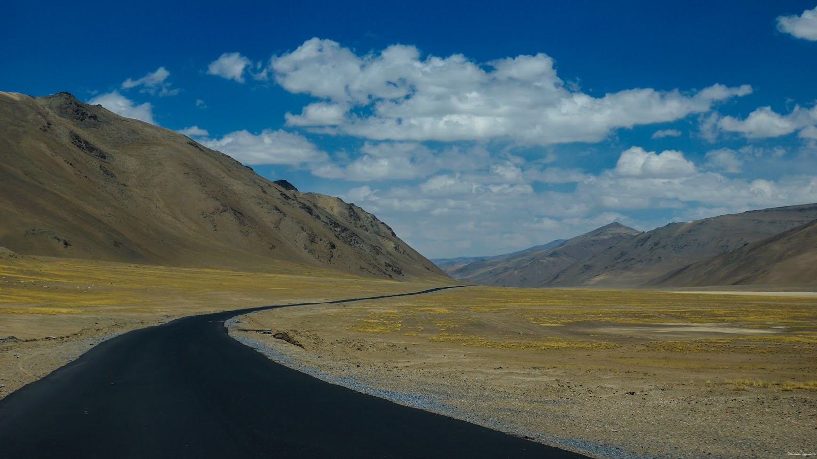 Morey Plains; the biggest and the highest plateau on Earth on stretch of 42 Kms at an altitude of 15,400 ft.