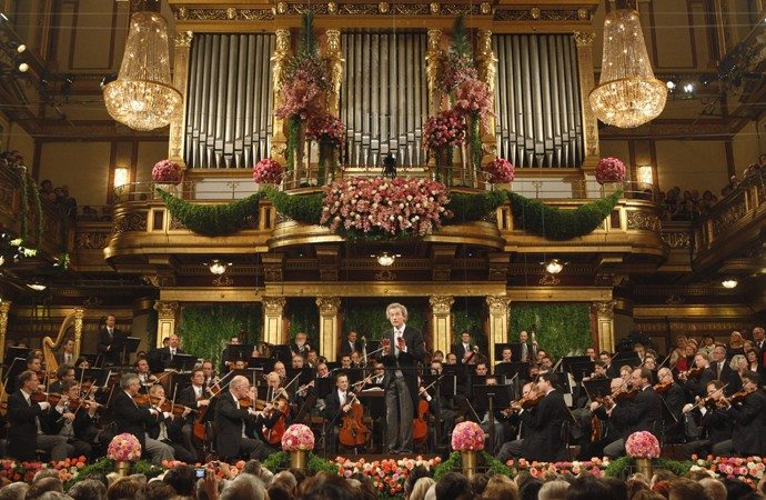 New Years Eve in Vienna is about music, mulled wine, balls, parties and traditions